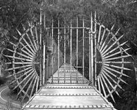 Brücke mit Gatter Lizenzfreie Stockfotos
