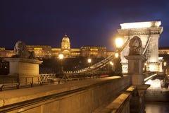 Brücke mit Löwen Lizenzfreies Stockfoto