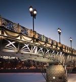 Brücke mit Leuchten stockfotografie