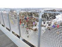 Brücke mit Liebesvorhängeschlössern, Island Lizenzfreies Stockfoto