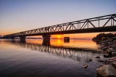 Brücke nachts Lizenzfreie Stockfotos
