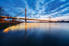 Brücke nachts Stockfotografie