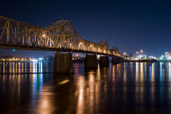 Brücke nachts Louisville Kentucky Stockfotos