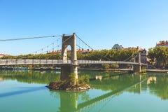 Brücke Old Passerelle du College über der Rhone in Lyon, Franken Lizenzfreie Stockfotos