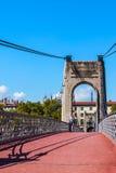 Brücke Old Passerelle du College über der Rhone in Lyon, Frankreich Lizenzfreie Stockfotos