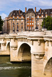 Brücke in Paris lizenzfreie stockfotografie
