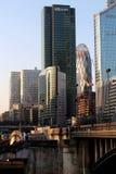 Brücke Pont de Neuilly und Laverteidigung Paris-Geschäftsgebäude in Frankreich Stockfoto