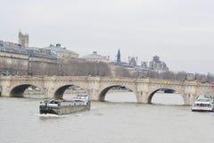 Brücke Pont Neuf über dem Seine Stockfoto
