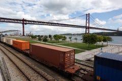 BRÜCKE PONTE 25 DE ABRIL EUROPAS PORTUGAL LISSABON Lizenzfreie Stockfotografie