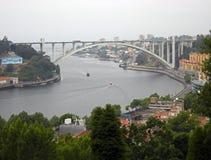 Brücke in Porto Lizenzfreie Stockbilder