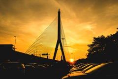 Brücke Rama 8 bei siluate Sonnenaufgang Lizenzfreies Stockfoto