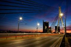 Brücke in Riga nachts Stockfotografie