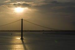 Brücke am Sonnenuntergang Stockbild