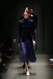 Brücke Sudi Etuz in Mercedes-Benz Fashion Week Istanbul Lizenzfreie Stockfotos