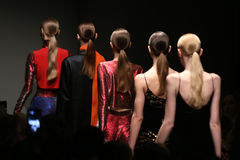 Brücke Sudi Etuz in Mercedes-Benz Fashion Week Istanbul Lizenzfreies Stockbild