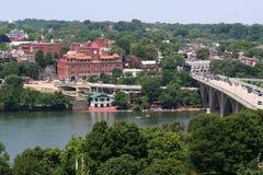 Brücke u. Fluss Stockbild