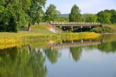 Brücke u. See Stockbilder