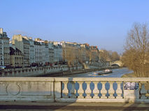 Brücke und flatboat Lizenzfreies Stockfoto