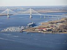 Brücke und Flugzeugträger stockfotos