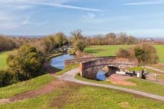 Brücke und Schleusentreppe-, Worcester- und Birmingham-Kanal, England Lizenzfreies Stockbild