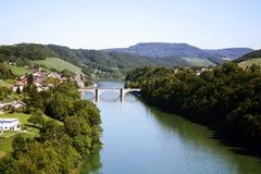 Brücke und See. Lizenzfreies Stockfoto