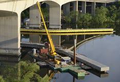 Brücke unter Rekonstruktion Stockbild