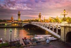 Brücke von Alexandre III, Paris, Frankreich lizenzfreies stockbild
