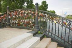 Brücke von Liebhabern und von Honeymooners Stockfotografie