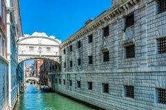 Brücke von Seufzern - Vencie, Italien lizenzfreie stockfotos