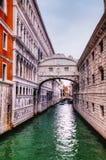 Brücke von Seufzern in Venedig, Italien Stockfotografie