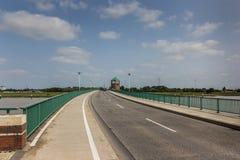 Brücke zur deutschen Stadt des Seitenblicks Stockfotos