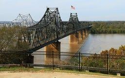 Brücken über dem Fluss Mississipi bei Vicksburg stockfotografie