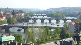 Brücken über der Moldau April-Tag Prag, Tschechische Republik stock footage