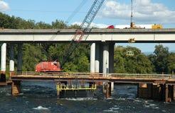 Brücken-Aufbau Stockbild