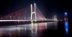 Brücken-Nacht Stockbild