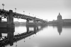 Brücken-Saint Pierre und Krankenhaus-La-Grab Stockfoto
