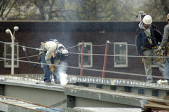 Brücken-Stahlaufbau-Schweißer Stockbilder