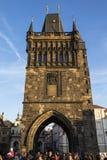 Brücken-Turm auf Charles Bridge in Prag lizenzfreie stockfotos