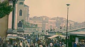 Brücken- und Santa Maria di Nazareth-Kirche Venedig-Scalzi stock video