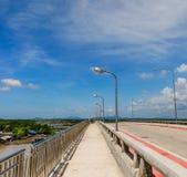 Brückenbürgersteig Stockfoto