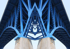 BrückenHalteträger Lizenzfreie Stockfotos