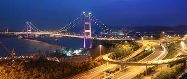 Brückenpanorama Hong- KongTsing MA lizenzfreie stockfotos