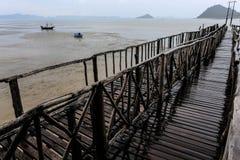 Brückenpfeiler auf dem Golf von Thailand Lizenzfreies Stockfoto