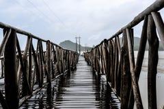 Brückenpfeiler auf dem Golf von Thailand Stockbild