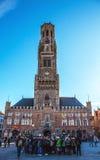 BRÜGGE, BELGIEN - 17. JANUAR 2016: Belfort-Turm in Brügge, touristische Mitte in Flandern-Stadt von Brügge und UNESCO-Welterbe Stockbilder