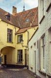 Brügge - Weg durch seine alten Straßen Lizenzfreies Stockfoto