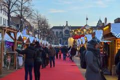 BRÜSSEL, BELGIEN - 5. Dezember 2016 - Weihnachtsmarkt im Heilig-Catherine-Quadrat Stockfotografie