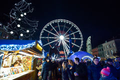 BRÜSSEL, BELGIEN - 5. Dezember 2016 - Weihnachtsmarkt im Heilig-Catherine-Quadrat Stockbilder