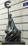 Brüssel, Belgien - 20. Februar 2017: Statue vor Europa Lizenzfreies Stockbild