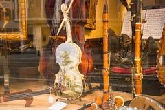 Brüssel, Belgien: Klassischer Musikshopschaukasten lizenzfreie stockfotos